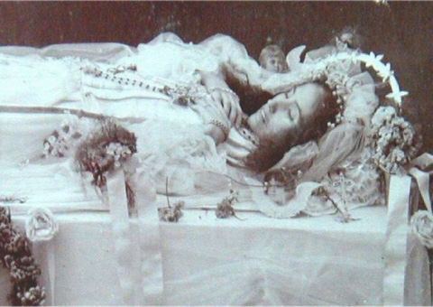 Fotografia Post-Mortem de mujer